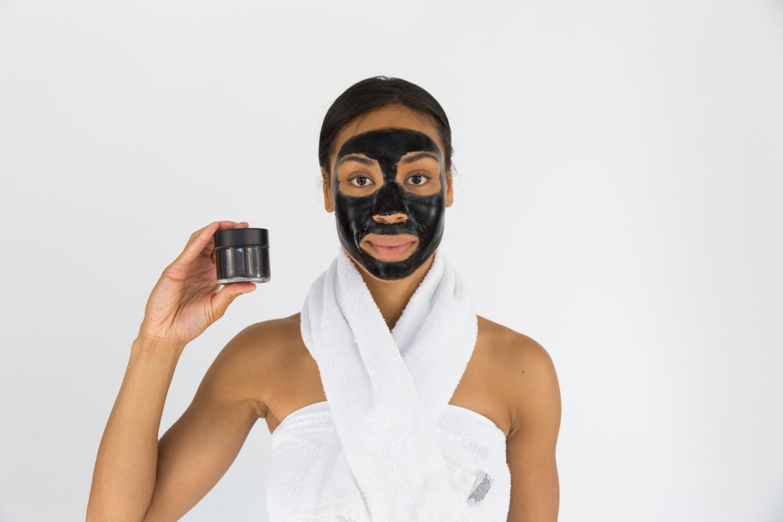 Hyaluronic acid face masks