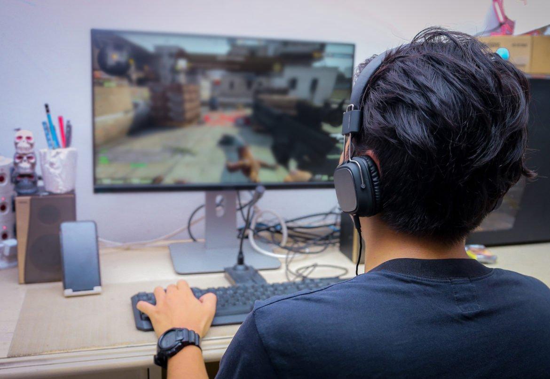 Gaming Laptop vs. Desktop
