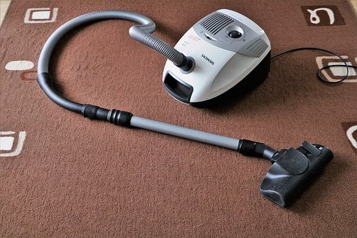 Corded or Cordless Vacuum Cleaners