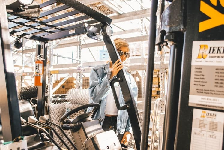 What should be considered for the safe use of forklifts?