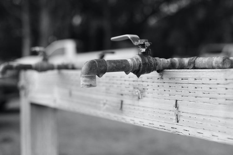 Loosening Trapped Debris in Your Spigot