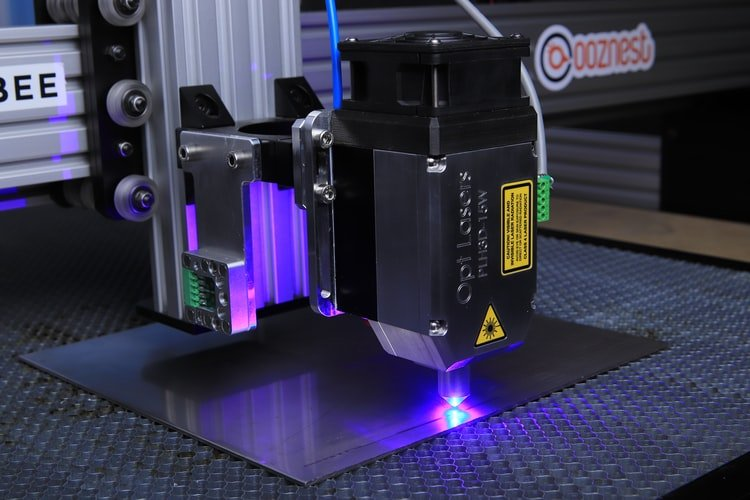 1. The automotive industry employs laser cutting technology