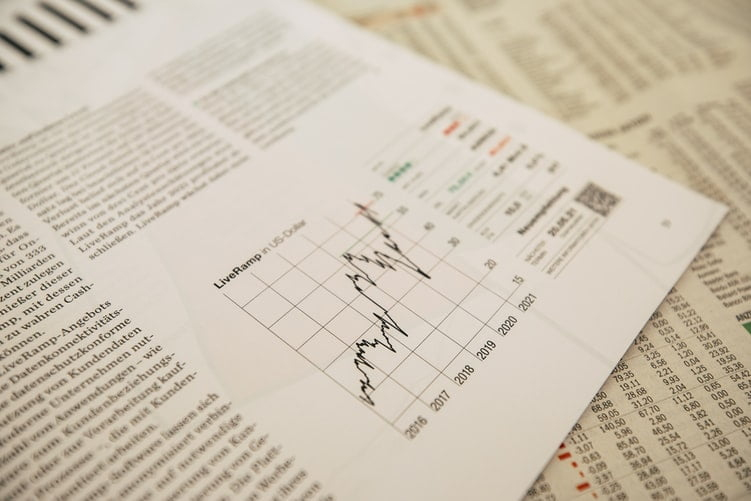 How Is The Cash Flow Of Financial Reporting Mapped Out?